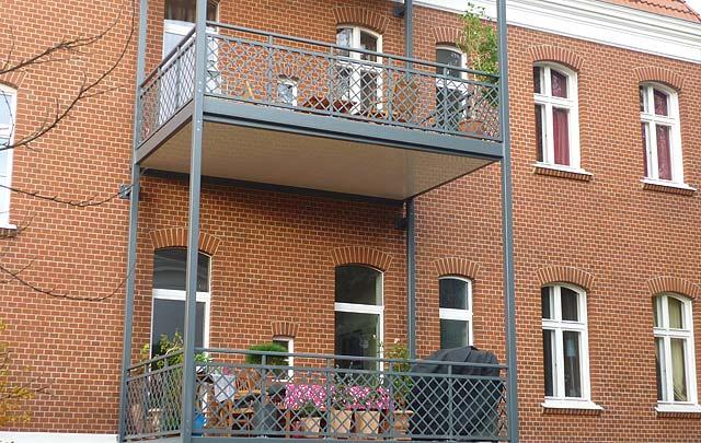 Balkonanbau, Berlin